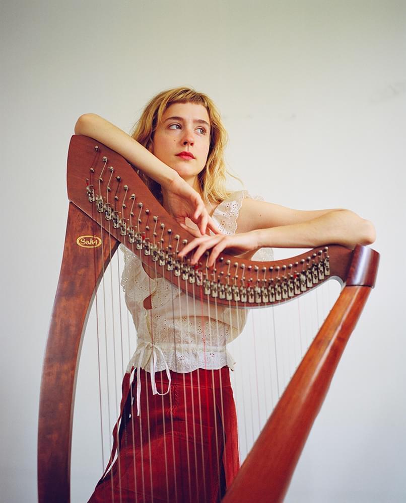 Noami Greene et sa harpe