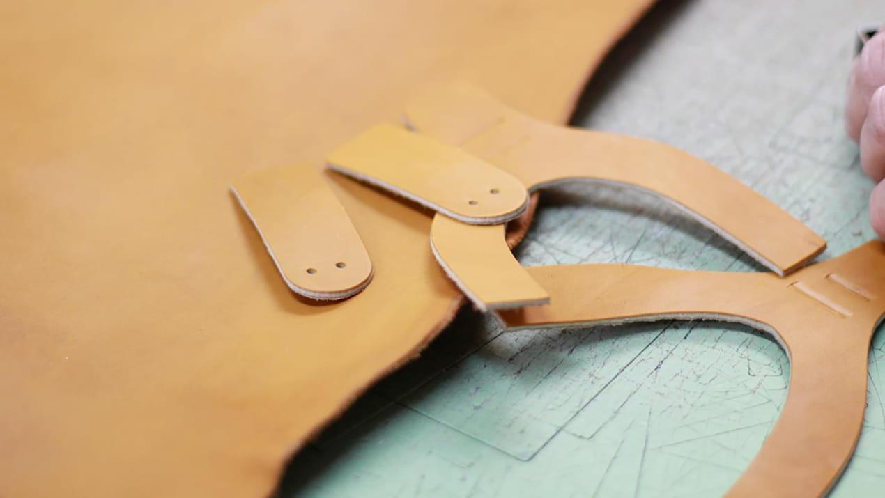 Découpe pièces sandales