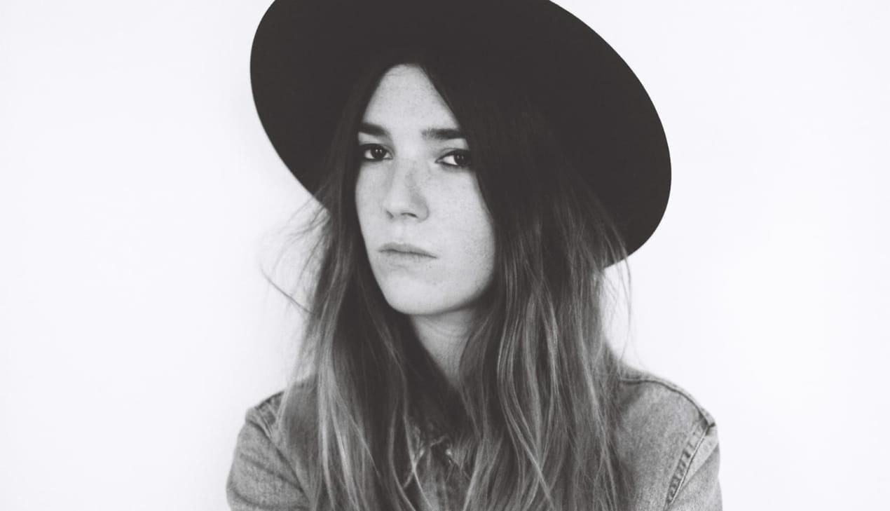 Portrait de Fiona Walden pour sa compil Sessùn