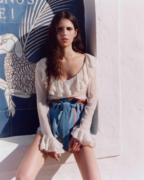 Sessùn Spring Summer 2020 collection - White blouse - Denim short