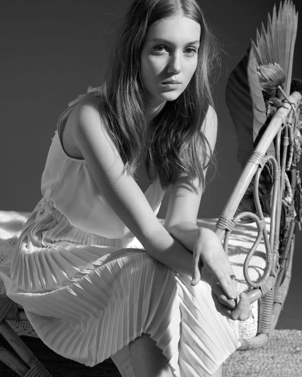 Dinah oui - Antic White