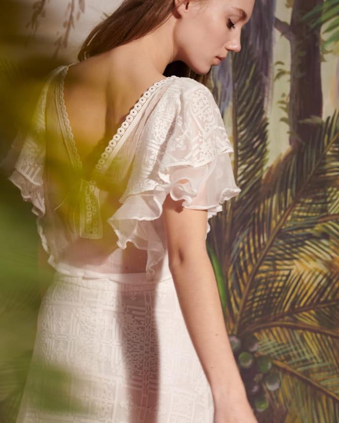 Romance - Antic White