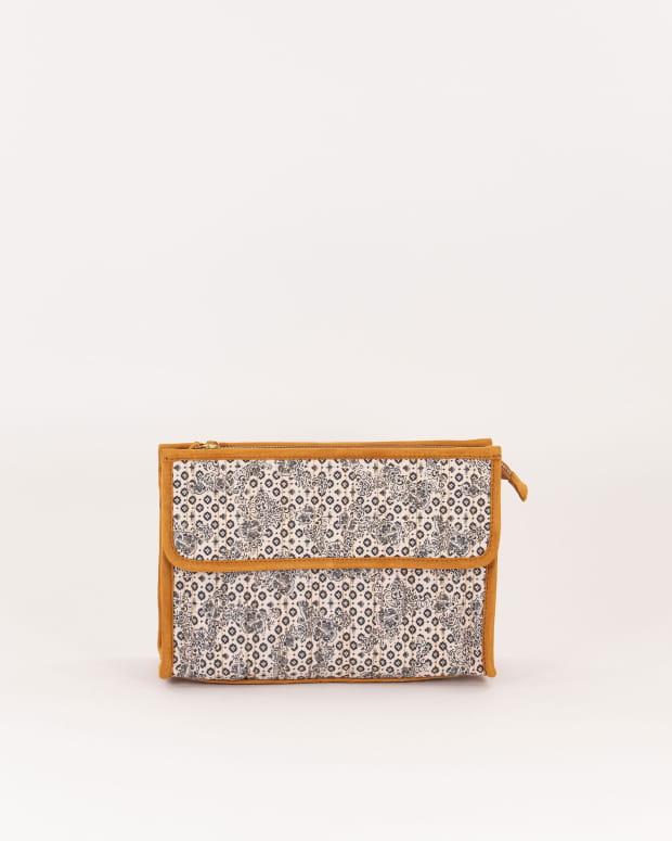 Lester pouch